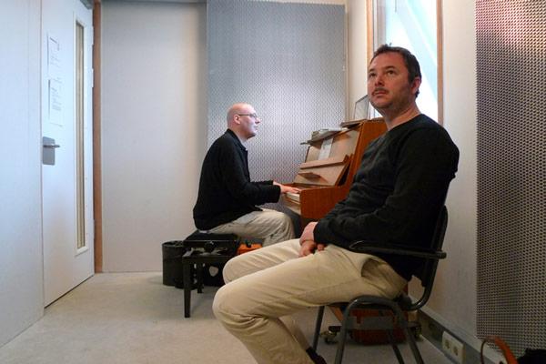 John Snijders en Gabriel Lester tijdens de opnamen van 'Kaufhaus Incidentals' in Amsterdam.